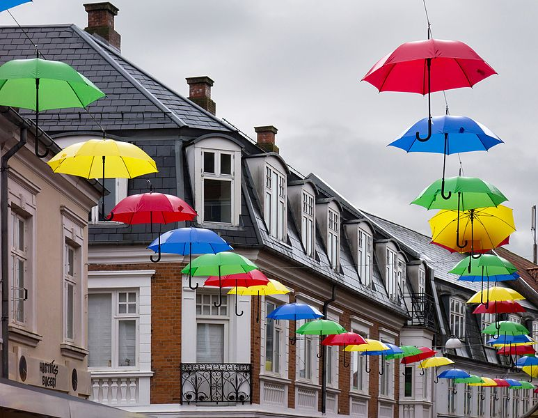 File:Les Parapluies de Viborg.jpg