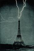 Et av de første bildene av et lyn, tatt i 1902, viser elektrisk strøm både som et naturfenomen og som elektrisk belysning i en storby.