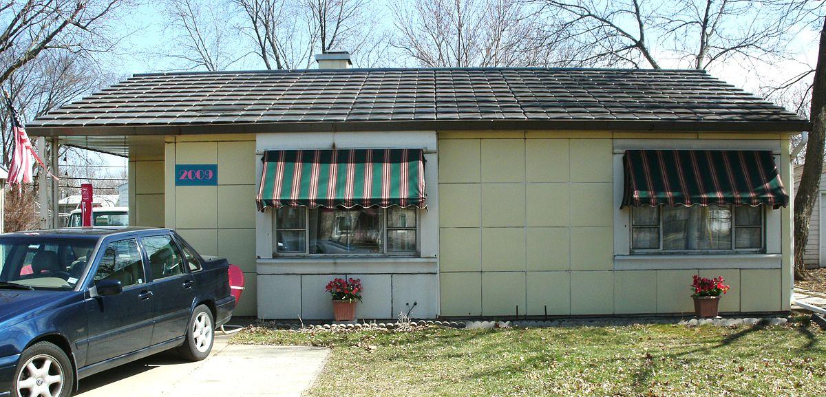 Lustron home no 02102 wikipedia for Home builders in iowa