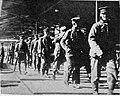 M 57 10 prisonniers allemands et sentinelles japonaises.jpg