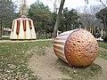 Magdalena gigante en parque Francesc Maciá - panoramio.jpg