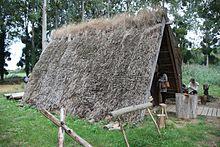 Maison semi-enterrée viking Ornavik Hérouville-St-Clair.jpg