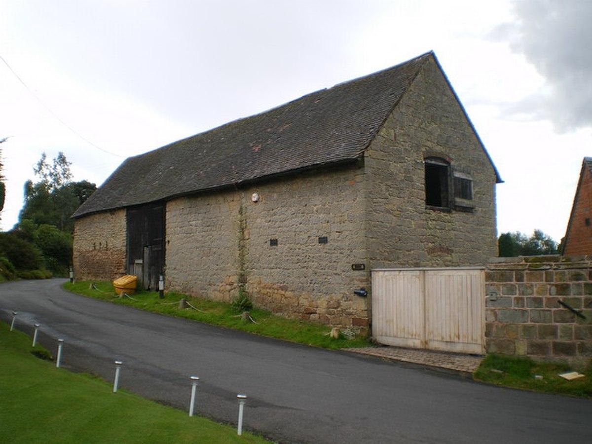 Manor Barn, Oaken - geograph.org.uk - 1457766.jpg
