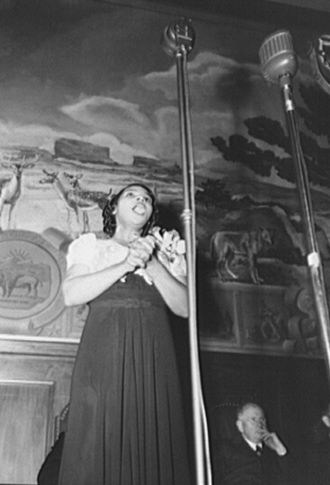 Marian Anderson - Anderson at the Department of the Interior in 1943, commemorating her 1939 concert
