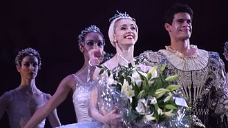 Marianela Núñez - Marianela Núñez alongside Thiago Soares takes a curtain call for Swan Lake, at the Opening of the Royal Ballet season 2008