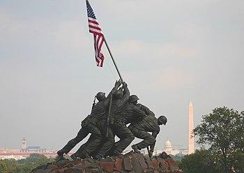 Marine Corp Memorial Iwo Jima with Washington ...