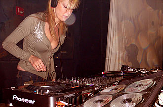 Dubstep - BBC Radio1 DJ Mary Anne Hobbs.