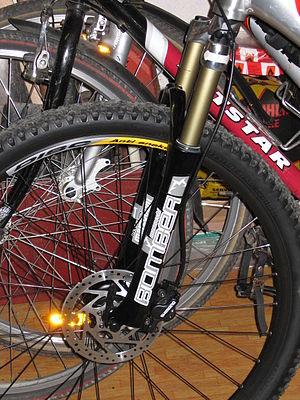 Marzocchi - Marzocchi Bomber MX Comp mountain bike fork.