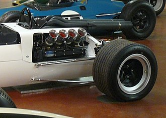 McLaren M2B - Ford's Indianapolis 500 engine proved to be unsuitable for Formula One.