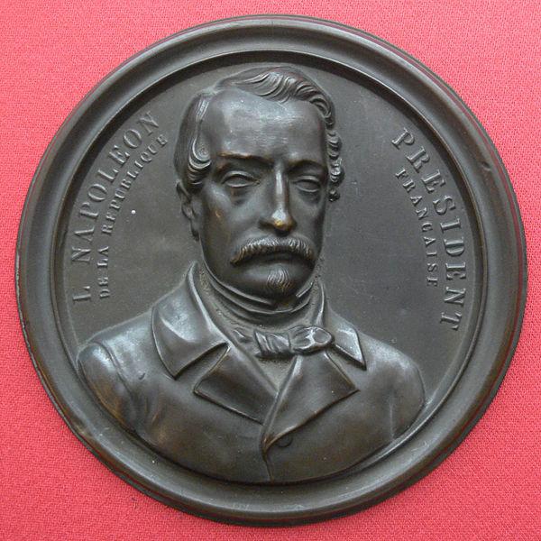 File:Medaillon Louis Napoleon.jpg