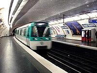 Metro de Paris - Ligne 7 - Censier - Daubenton 03.jpg
