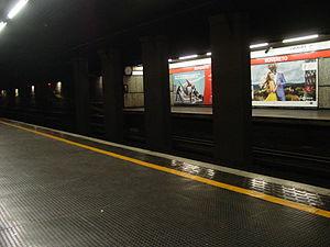 Rovereto (Milan Metro) - Image: Milan Metro line 1 Rovereto station 31 05 2014