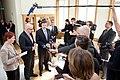 Ministru prezidents Valdis Dombrovskis tiekas ar Vācijas Šlēzvigas – Holšteinas federālās zemes premjerministru Torstenu Albigu (8717051580).jpg