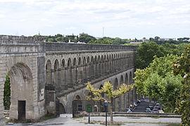 Montpellier-Les Arceaux de l'aqueduc Saint-Clément-2012 07 02.jpg