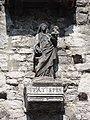 Moret-sur-Loing (77), porte de Samois, Vierge à l'Enfant de 1556.JPG