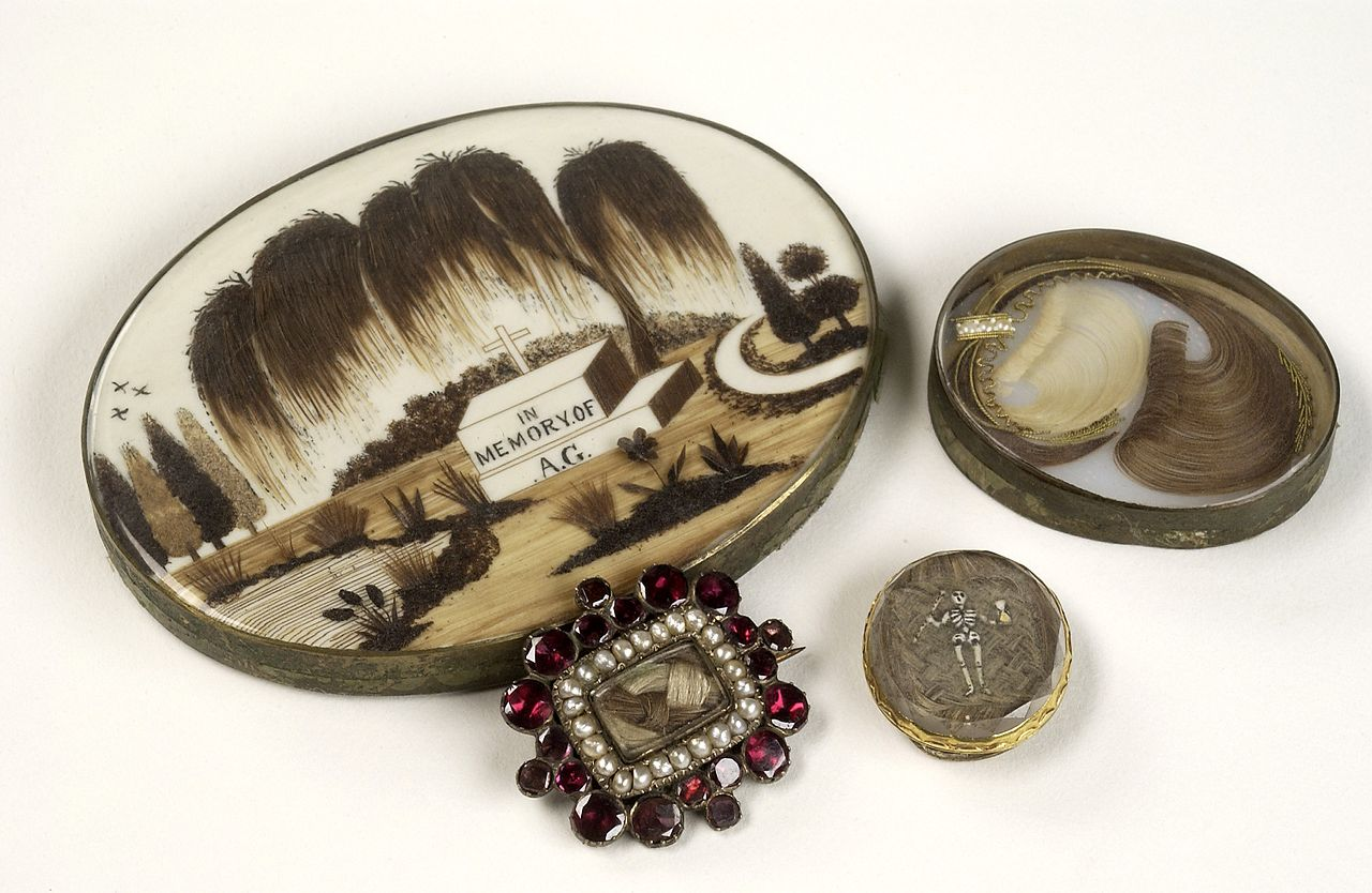Mourning brooches containing the hair of a deceased relative. Wellcome L0036197.jpg