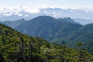 Mt.Kurogane from Mt.Kokushigatake 01.jpg