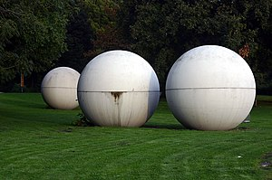 Claes Oldenburg - Image: Muenster Giant Pool Balls 260