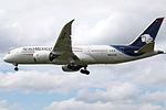 N964AM Boeing 787 Aeromexico (14785241624).jpg