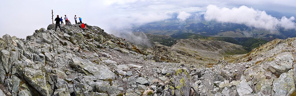Pohľad z vrcholu Kriváňa