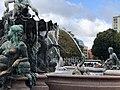 Neptunbrunnen 058.jpg
