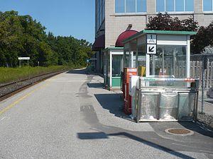 Newmarket GO Station - Image: Newmarket GO Station Track 1