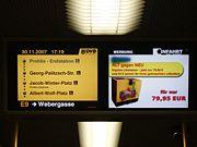Das Fahrgastinformationssystem im Inneren der Bahn