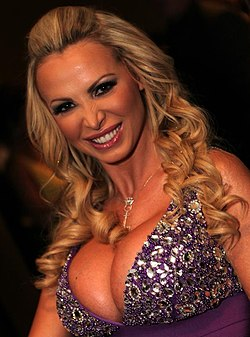 Nikki Benz - 2013 AVN Awards.jpg