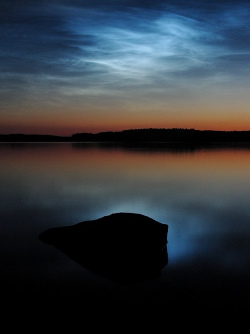Noctilucent clouds over saimaa