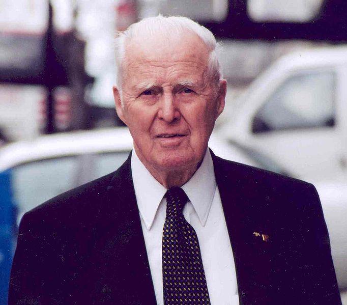 File:Norman Borlaug (2004).jpg