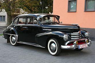 Opel Kapitän - Image: Opel Kapitän '51 (1951 53) am 2009 10 13 ret