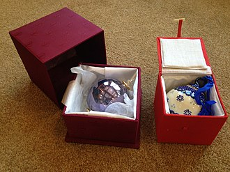 Luxury packaging - Premium Christmas ornaments in reusable storage boxes