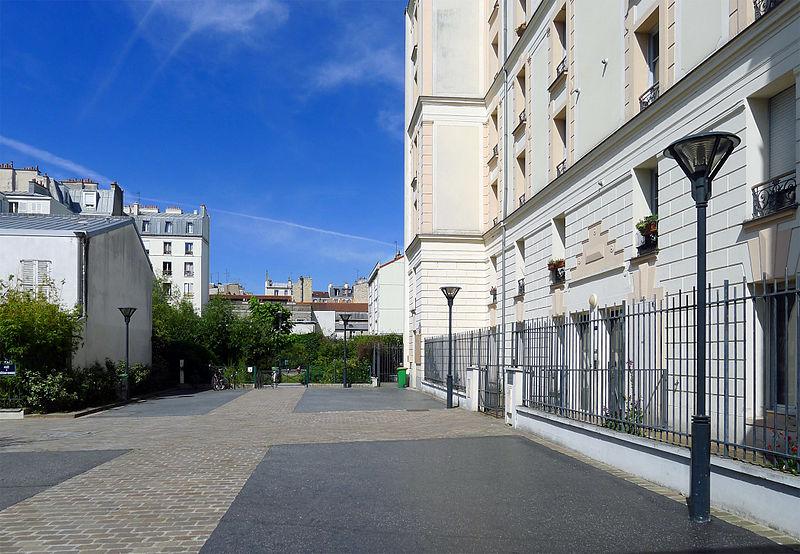 Fichier:P1260636 Paris XIV place Marcel-Paul rwk.jpg