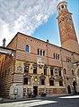 Palazzo della Ragione - Torre dei Lamberti.jpg