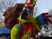 Carnavalsverenigingen hebben dikwijls hun eigen persorganen. Dat van de Sittardse Marotte heet de Papegey. Hier op een wagen in de optocht van 2008