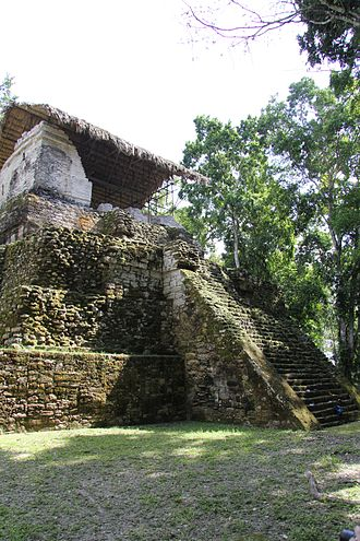 Peten Itza kingdom - Topoxté was the secondary city of the Ko'woj, it was abandoned before the Spanish conquest