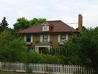 Pearl and Eva Chambers House.jpg