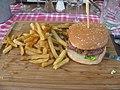 Pernes Angus burger.jpg