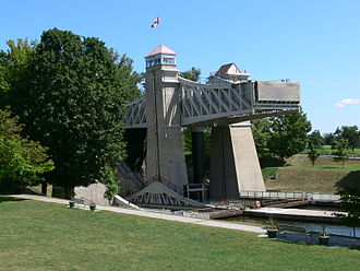 Peterborough Lift Lock - Peterborough Lift Lock (side view)