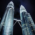 Petronas Twin Towers photo by knnkanda.jpg