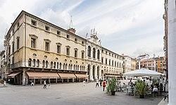 Piazza dei Signori (Vicenza).jpg