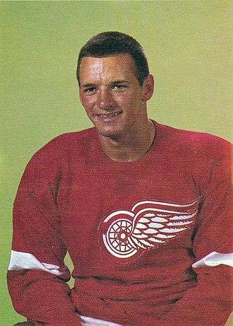 Pit Martin - Image: Pit Martin Chex hockey card