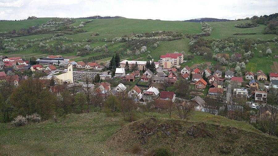 Mikušovce, Ilava District