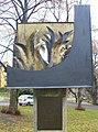 Pomník padlým a výročí samostatnosti na návsi v Domoušicích (Q94443874) 02.jpg