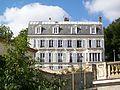 Pontoise (95), immeuble rue de l'Éperon, vu depuis la rue de la Coutellerie.jpg