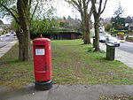 Post box at juction of Oakleigh Avenue & Oakleigh Park South.JPG