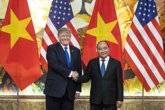 Nguyễn Xuân Phúc - Nguyễn Xuân Phúc with U.S. President Donald Trump in 2019
