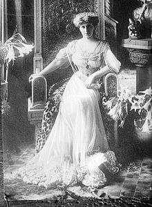 Queen Mary of Romania 3.jpg
