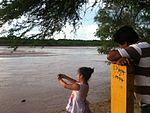 Río Piray y niña.jpg