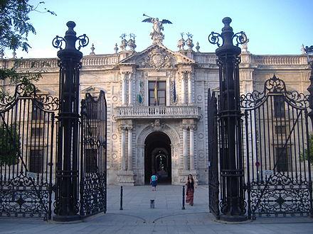 fachada principal de la real fbrica de tabacos edificio industrial sevillano del siglo xviii